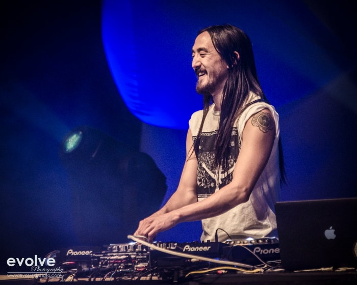 I think Steve Aoki loves his job.